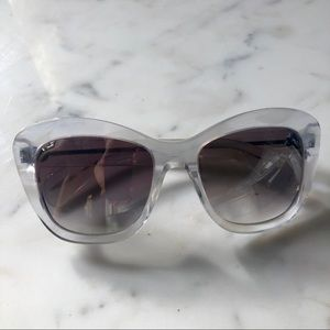 NWOT Oliver Peoples sunglasses